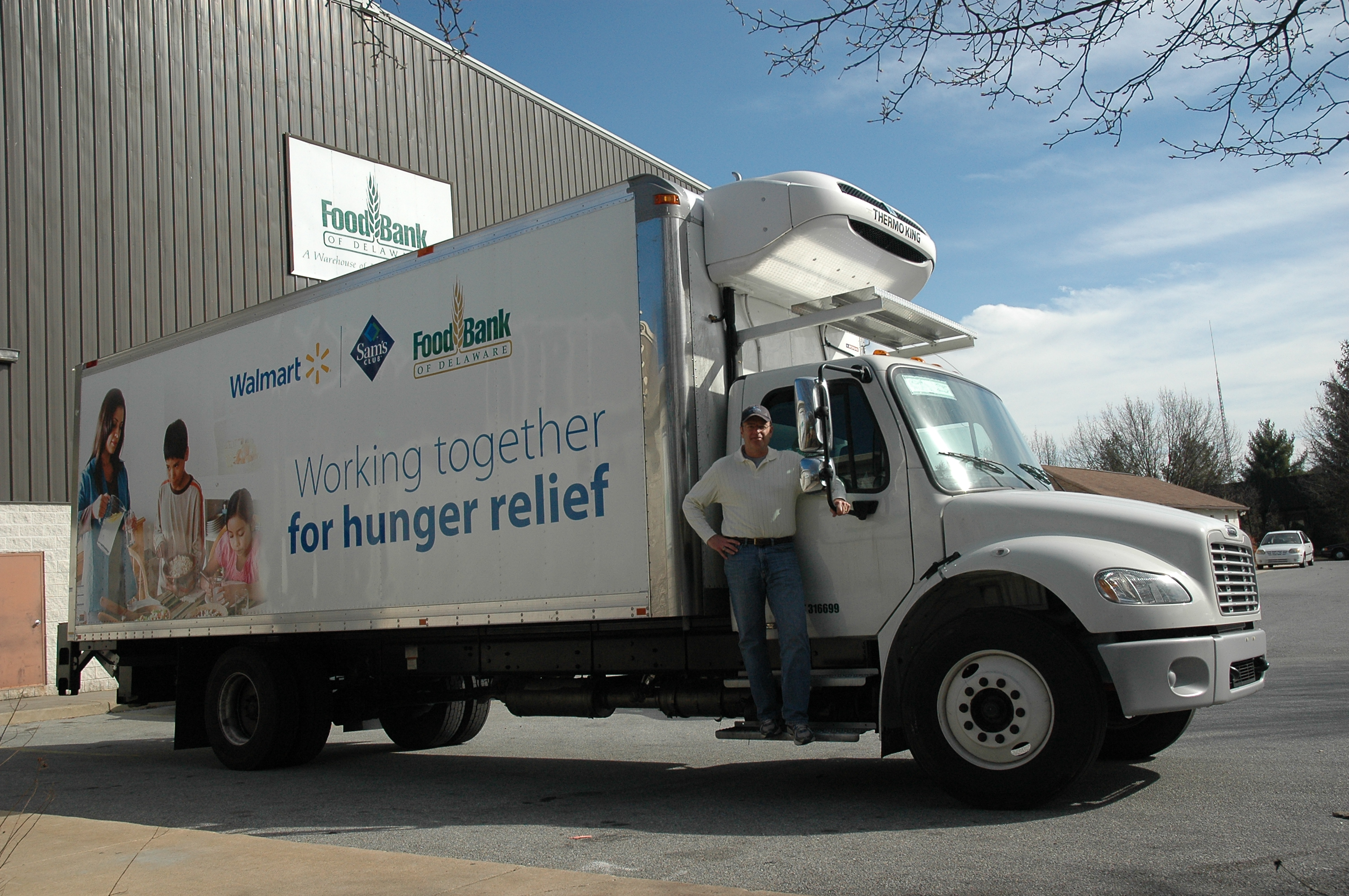 walmart donates brand new truck food bank of delaware. Black Bedroom Furniture Sets. Home Design Ideas