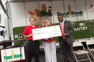 FoodBank_ CheckPresentation_4